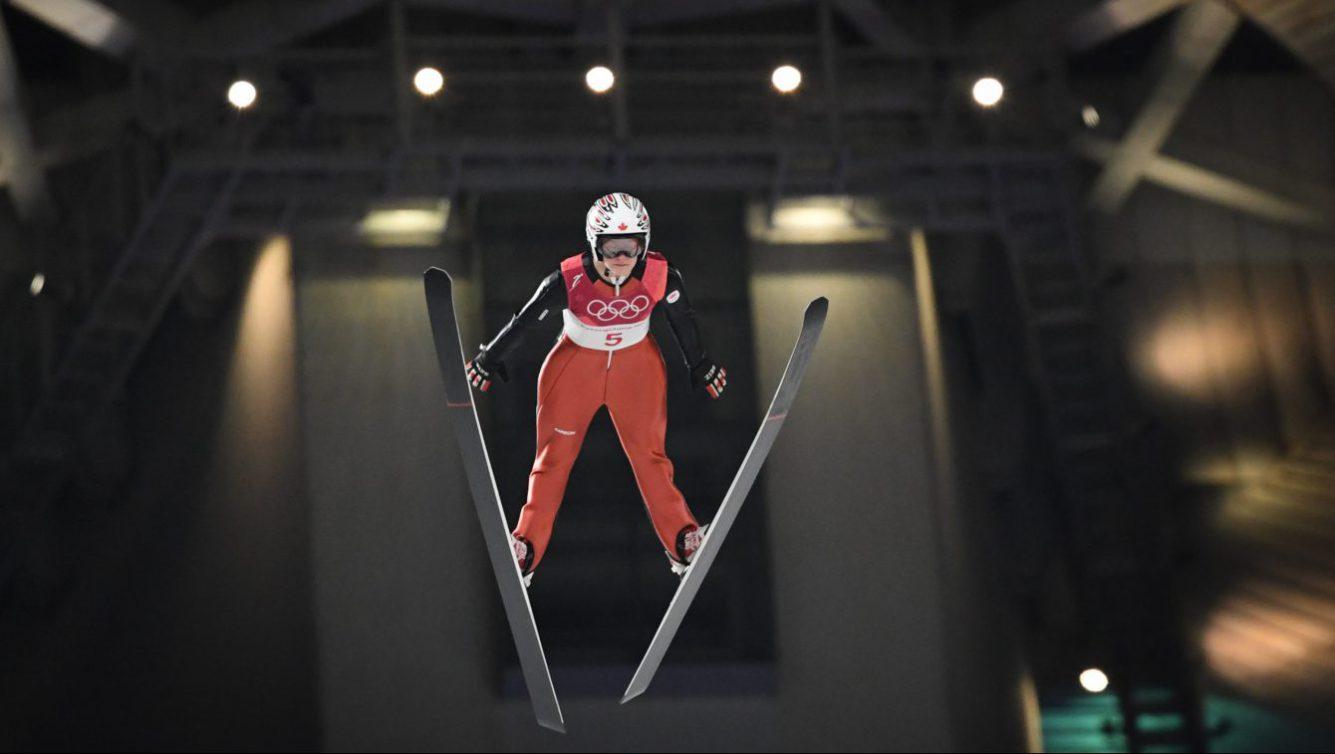 Taylor Henrich en action à l'épreuve de saut à ski, aux Jeux de Pyeongchang. (Photo par Vincent Ethier/COC)