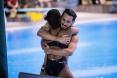Jennifer Abel et François Imbeau-Dulac célèbrent leur performance en argent à l'épreuve du tremplin 3 m synchronisé mixte aux Séries mondiales de plongeon FINA, le 3 mars 2019, à Sagamihara, au Japon. (Plongeon Canada/Twitter)