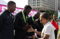 Jerome Blake reçoit sa médaille du relais 4 x 100 m aux Championnats NACAC, en 2018. (COC/Thomas Skrlj)