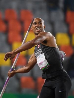 Damian Warner pendant l'épreuve du javelot à Lima 2019