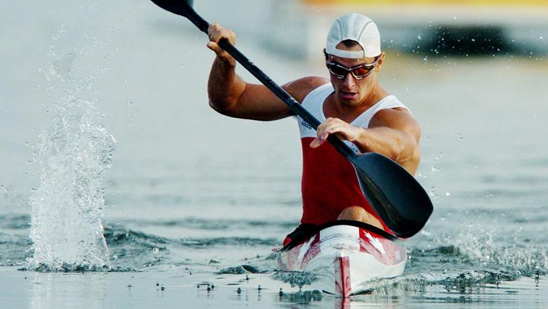 Adam Van Koeverden competing