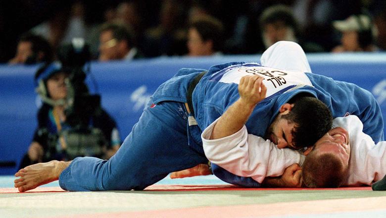 Nicolas Gill wrestling