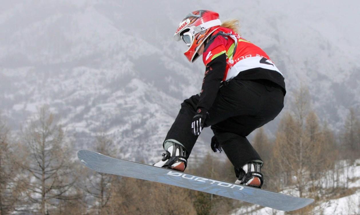 Dominique Maltais snowboarding