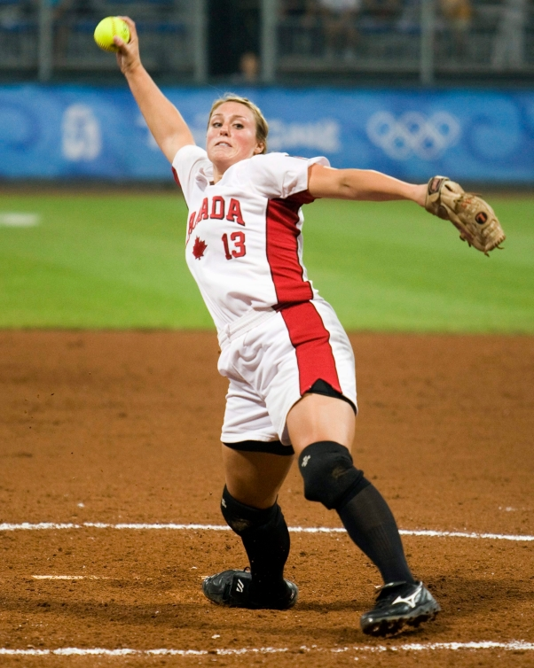 Danielle Lawrie pitches the ball