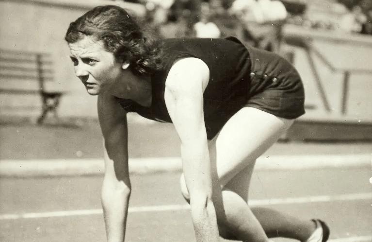 Lillian Palmer Alderson lines up for a race