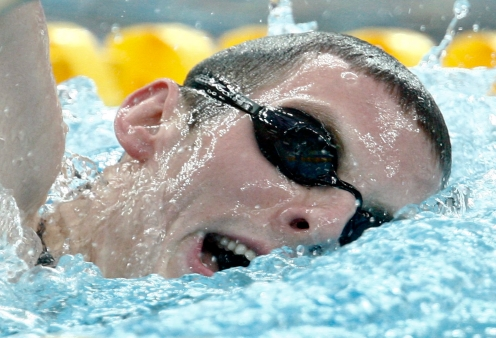 Canada's Ryan Cochrane, from Victoria, B.C., swims in the men's 1500-metre freestyle at Beijing 2008. (Paul Chiasson)