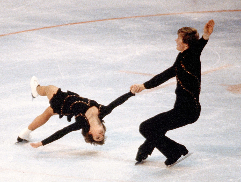Barbara Underhill and Paul Martini skating