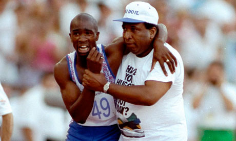 Derek Redmond helped to the finish line by his father at Barcelona 1992 (photo: theguardian.com).