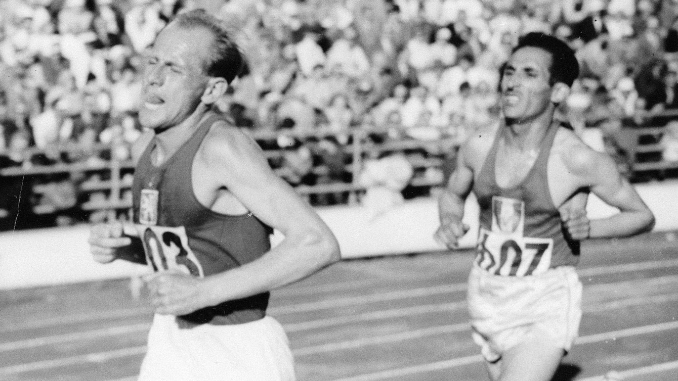 Emil Zatopek (front) grimaced through three Olympic gold medal performances at Helsinki 1952. He was famous for bad form and consistently painful expressions on his face throughout competition.