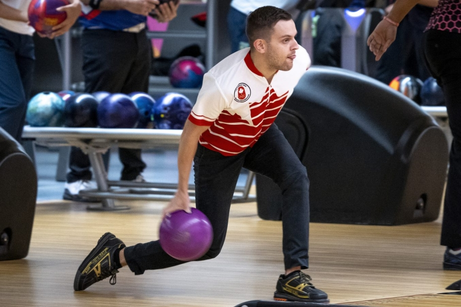 Francois Lavoie bowling