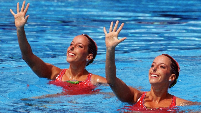 Penny and Vicky Vilagos, identical twins, competing at the Barcelona 1992 Olympic games.