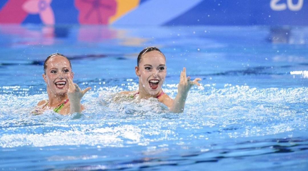Jacqueline Simoneau and Claudia Holzner swim their duet