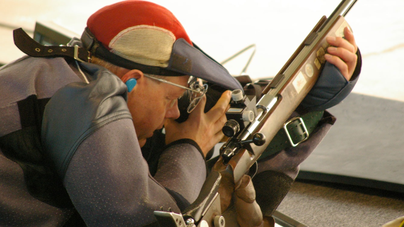 Gale Stewart on the rifle (Shooting Federation of Canada).