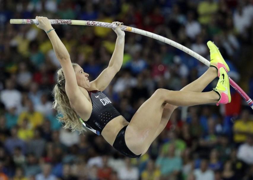 Kelsie Ahbe jumping bar at Rio 2016