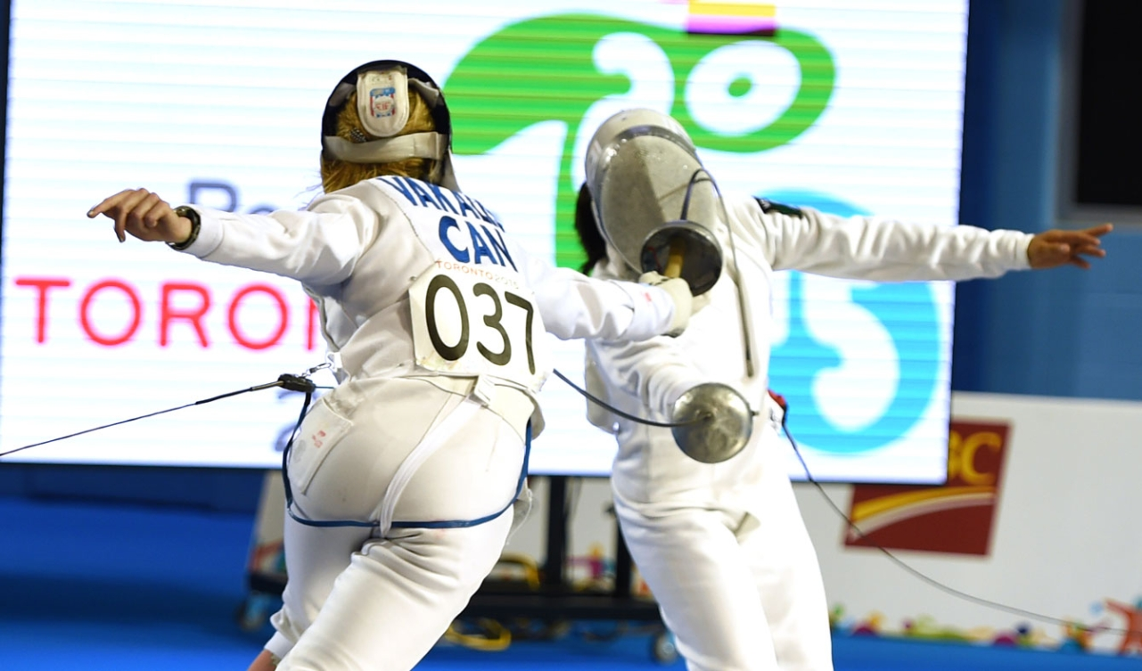 Donna Vakalis finished 4th in the women's modern pentathlon, securing a berth for Rio 2016.