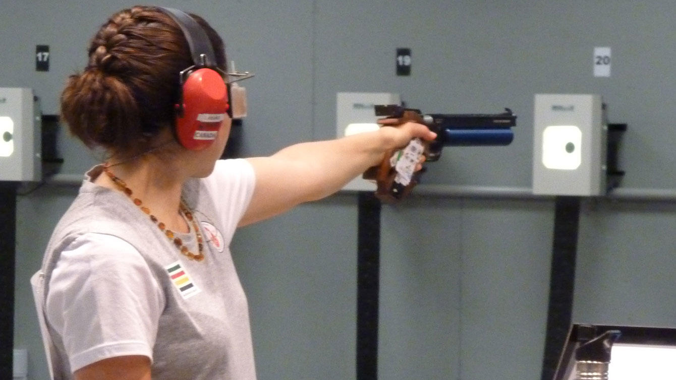 Lynda Kiejko shoots in the 10m pistol event where she won the first of her two Toronto 2015 Pan Am Games gold medals.