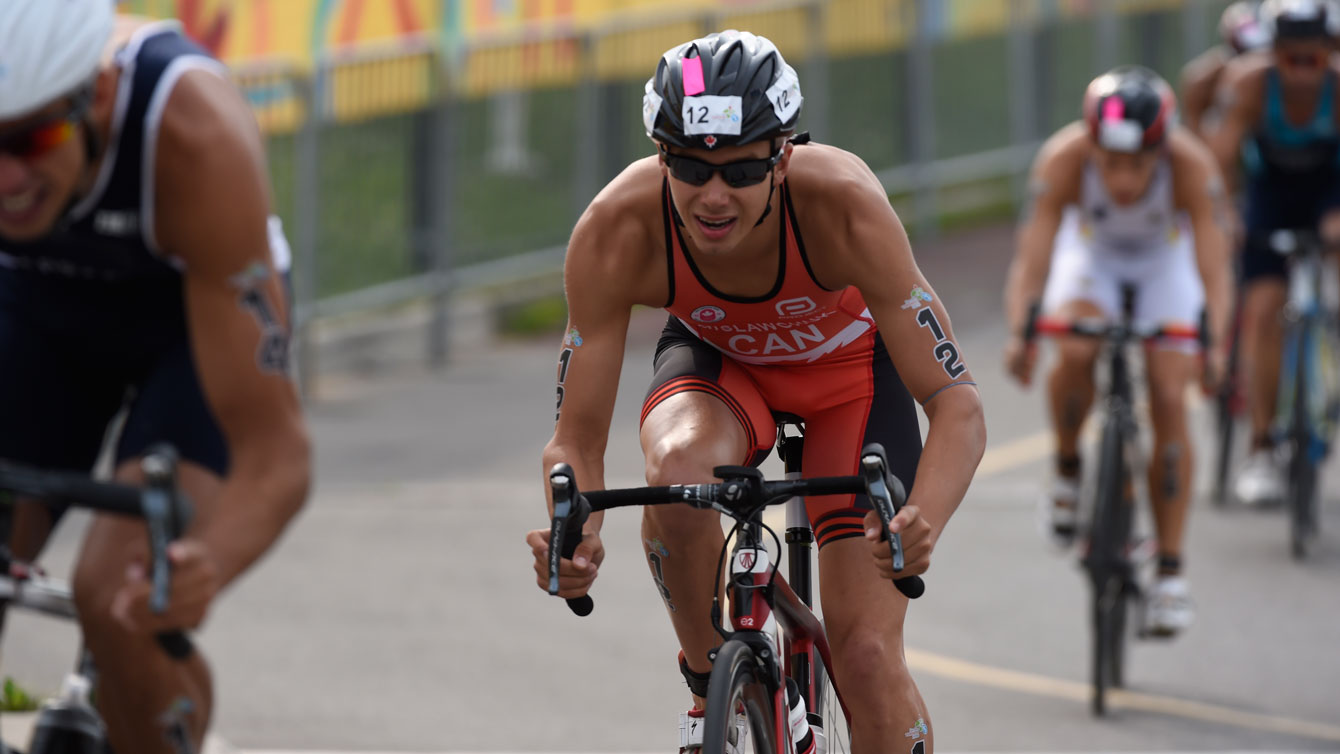 Tyler Mislawchuk competes in men's triathlon at the 2015 Pan Am Games in Toronto.