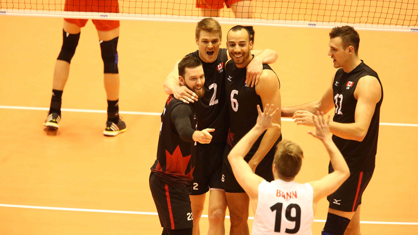 Canada celebrates a point against China on June 5, 2016 in Tokyo at the final Olympic qualifying tournament for Rio 2016 (Photo: FIVB).