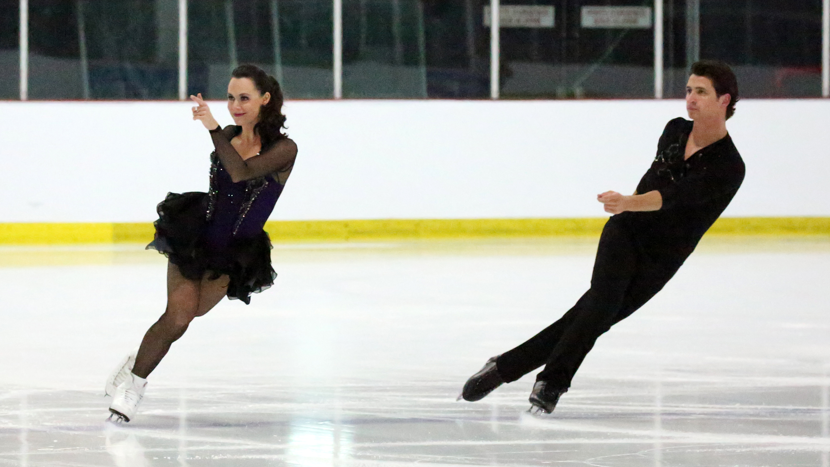 Tessa Virtue and Scott Moir perform to a medley by Prince in the short dance at the Autumn Classic International.