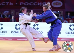 Jessica Kilmkait (right) fights for her first IJF Grand Slam medal - a bronze - in Ekaterinburg, Russia on May 20, 2017 (Photo: IJF).