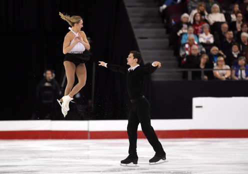 Camille Ruest and Andrew Wolfe compete in the National Skating Championships in Ottawa, Jan. 20, 2017. THE CANADIAN PRESS/Sean Kilpatrick