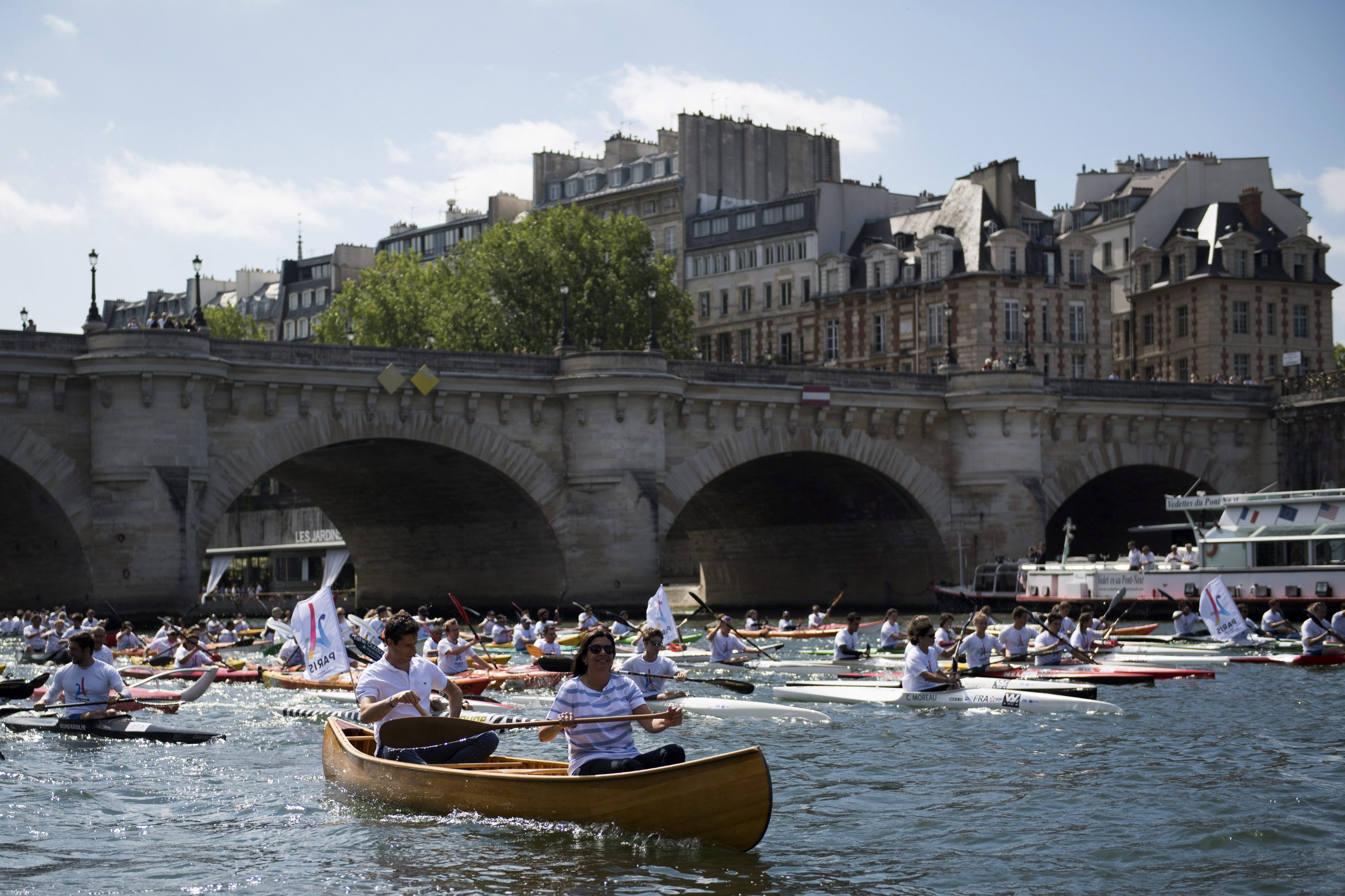 People paddling along the Seine river