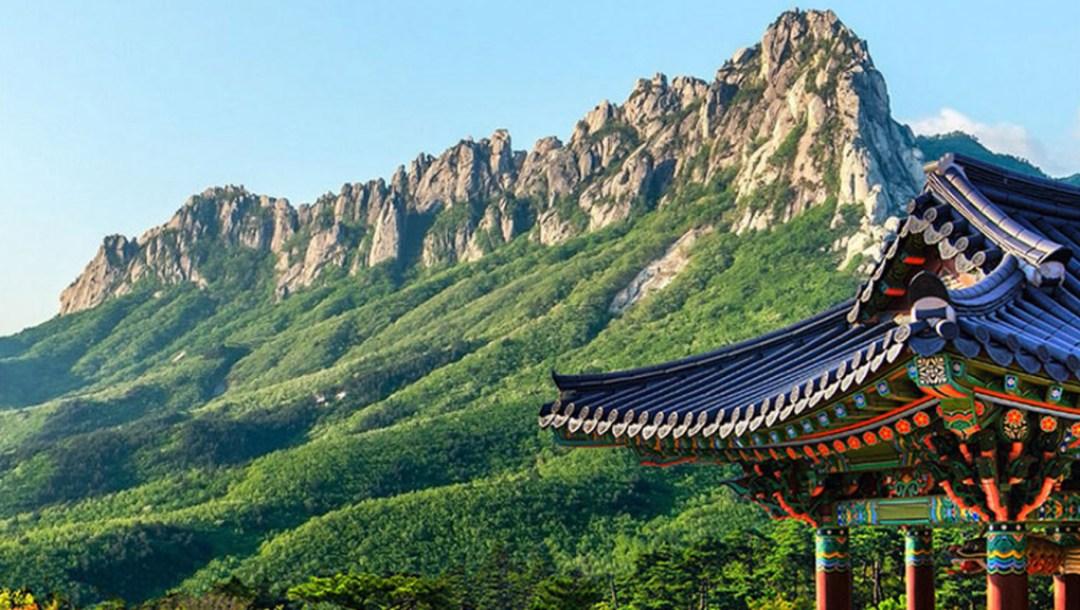 Mt.-Seorak_Naksan-Temple-Day-Trip