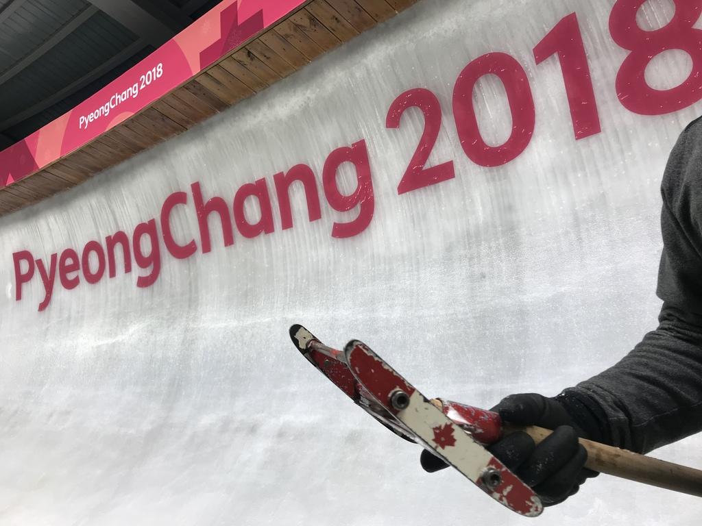 team-canada-ice-scraper-pyeongchang