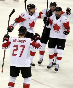 Chris Kelly of Canada celebrates a goal with teammates in the Men's Bronze Medal hockey game against the Czech Republic at the Gangneung Hockey Centre during the PyeongChang 2018 Olympic Winter Games in PyeongChang, South Korea on February 24, 2018. (Photo by Vaughn Ridley/COC)