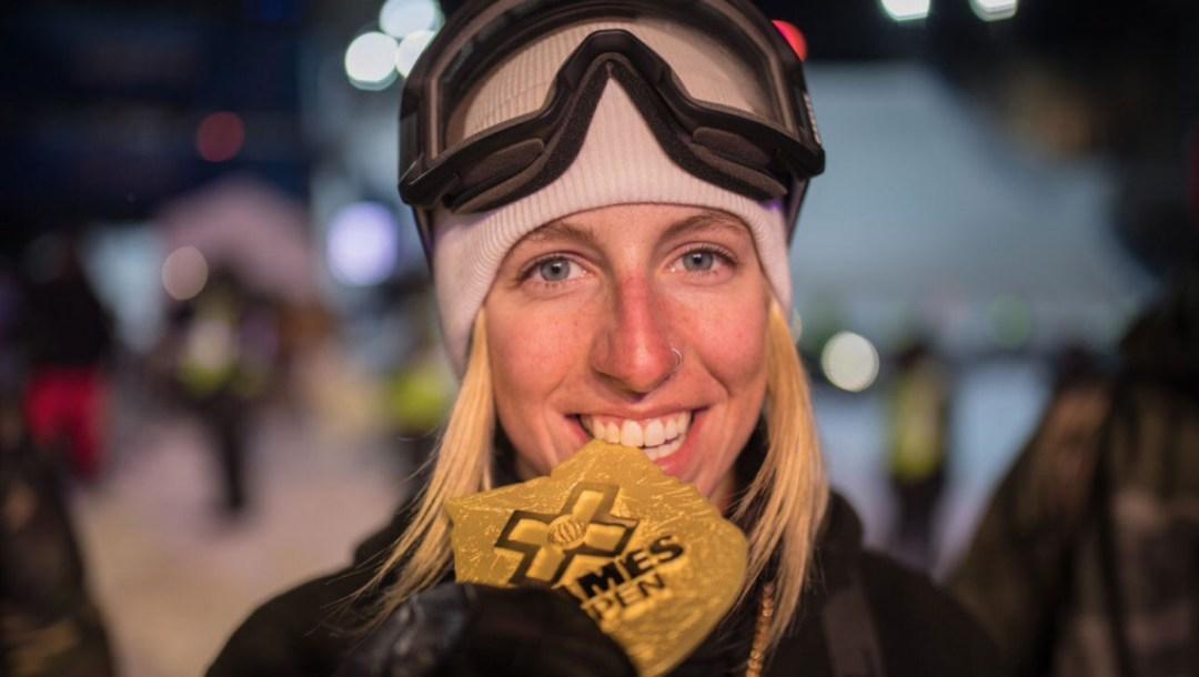 team-canada-laurie-blouin-snowboard-big-air-x-games-2019-aspen