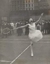 French diva Suzanne Lenglen during a public training in New York in the 1920s. (Photo: MoMa)