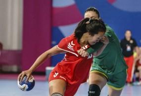 Samantha Koosau battles against Brazil