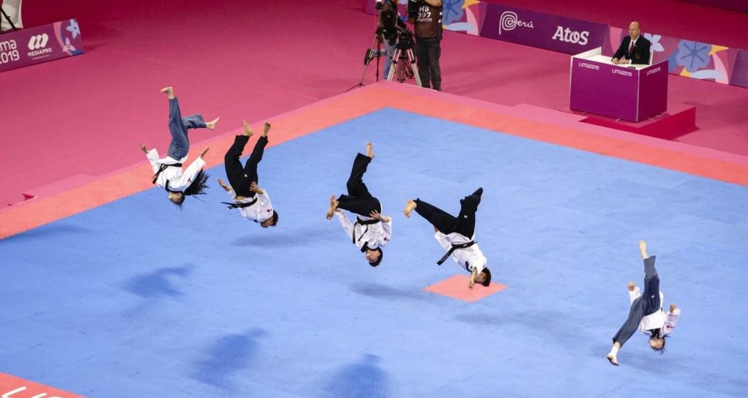 five Taekwondo athletes competing