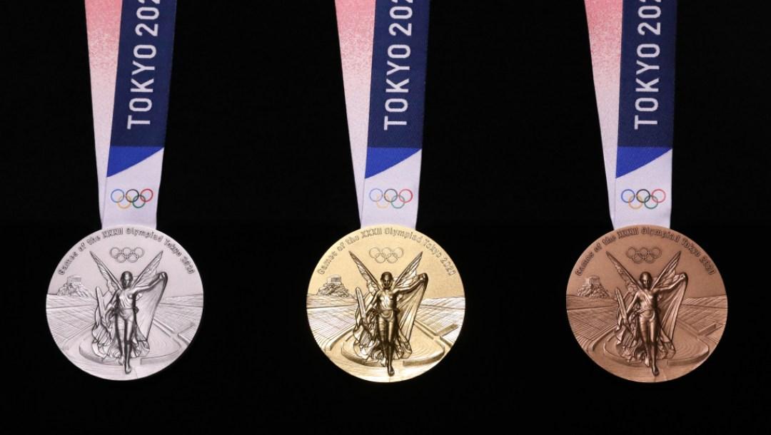 02_Medal front.2