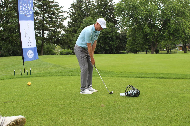 David Hearn golfing