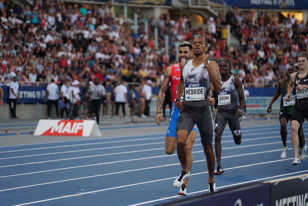 Brandon McBride competes in the men's 800m race at the Paris Diamond League on August 24, 2019.