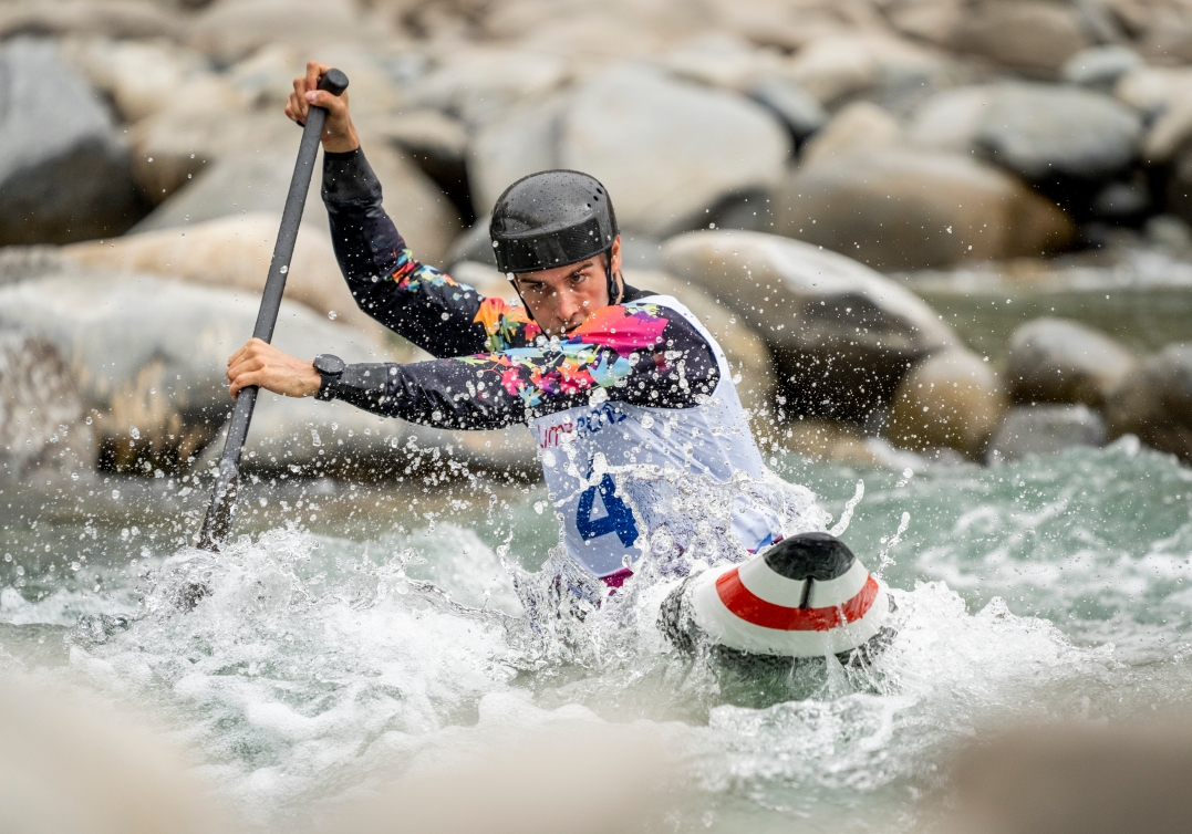 Lima Smedley competes in the men's canoe slalom during Lima 2019.