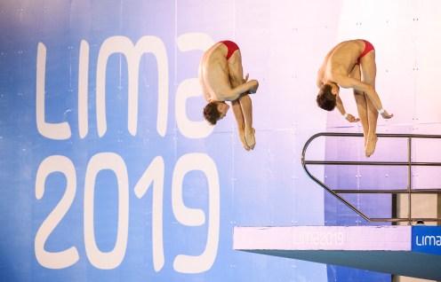 Vincent Riendeau and Nathan Zsombor-Murray diving