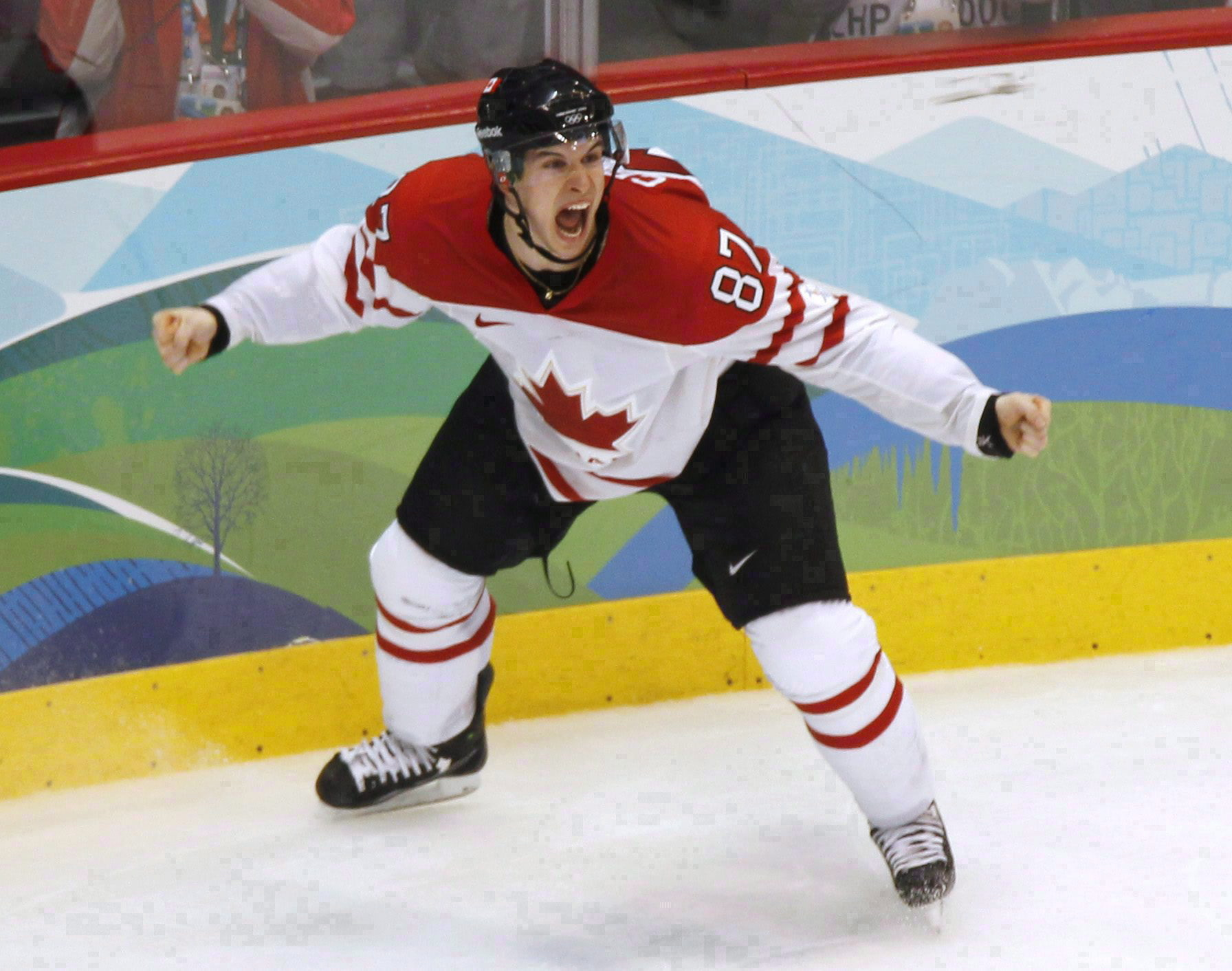 Sidney Crosby celebrating