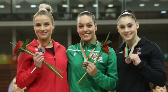 Sophie Marois poses with other medalists
