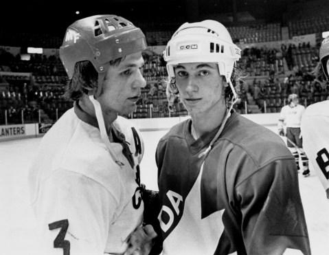 Wayne Gretzky and Soviet player