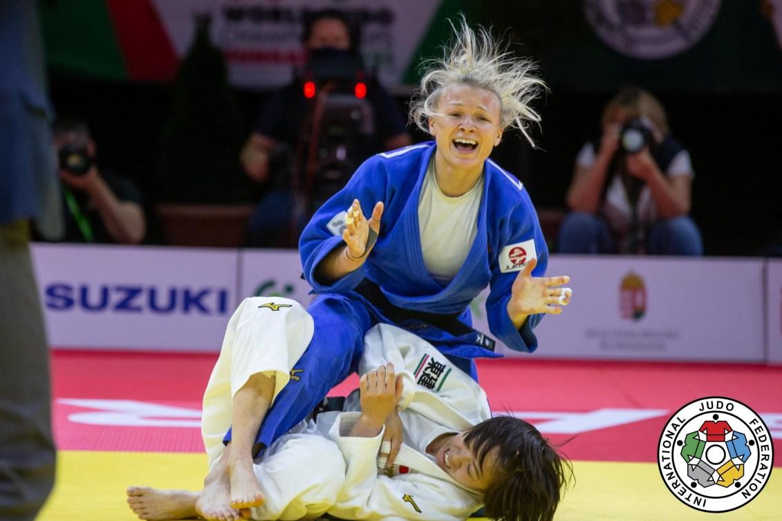 Jessica Klimkait reacts to winning a match