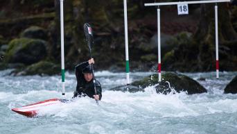 Florence Maheu kayaks