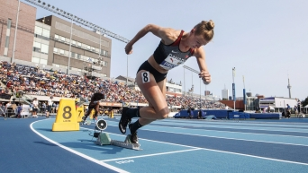 Madeline Price running out of start block