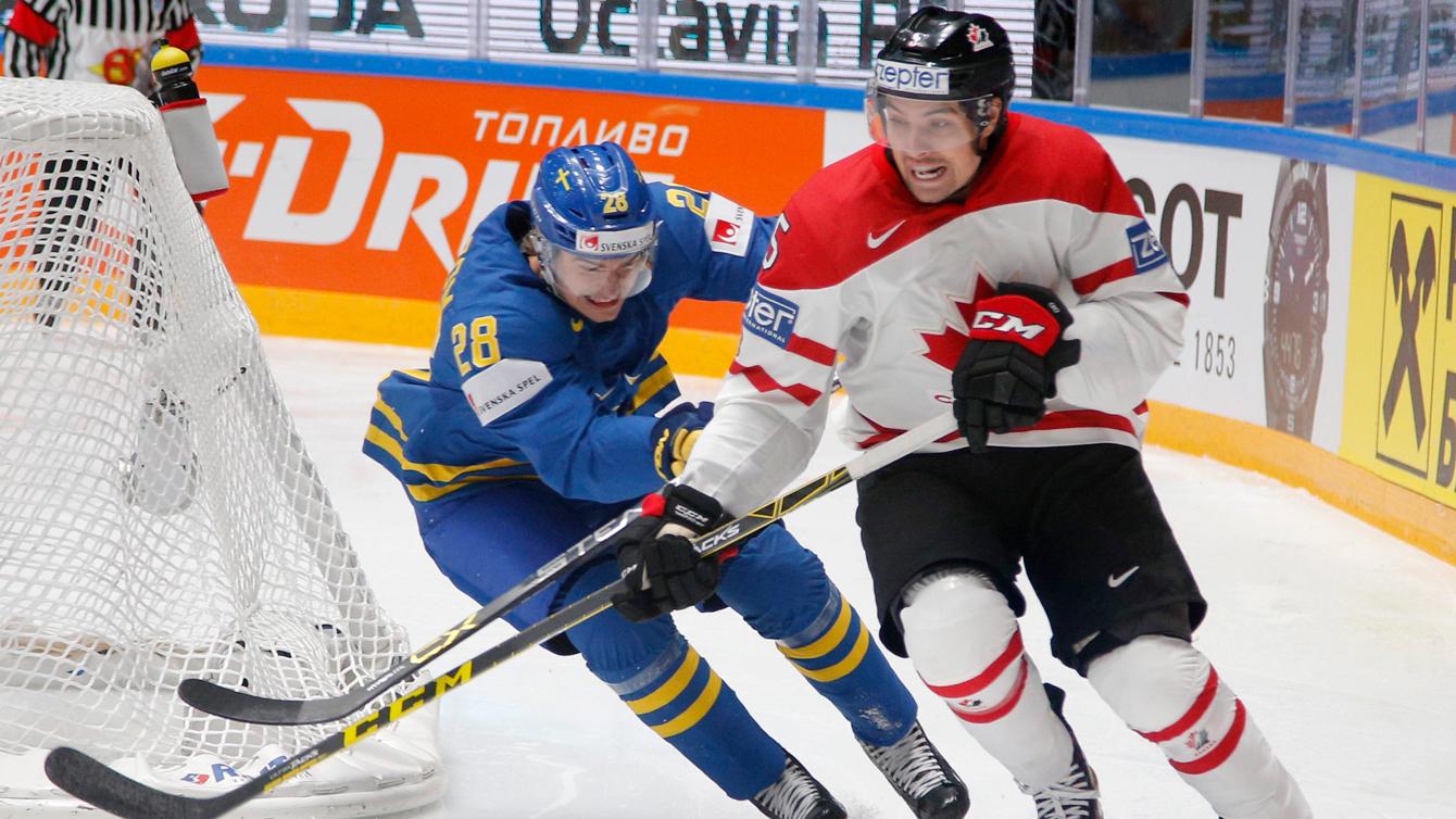 Cody Ceci au Championnat du monde IIHF, le 19 mai 2016 (AP Photo/Dmitri Lovetsky)