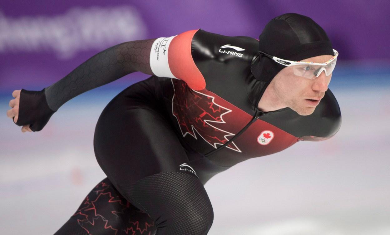 Ted-Jan Bloemen patine jusqu'à sa médaille d'argent à la finale du 5000 m, aux Jeux olympiques de PyeongChang 2018, le 11 février 2018. LA PRESSE CANADIENNE/Paul Chiasson